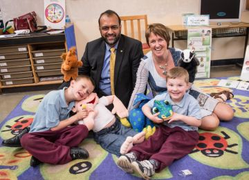 CEO of Barnardos visits Largymore to see Incredible Years